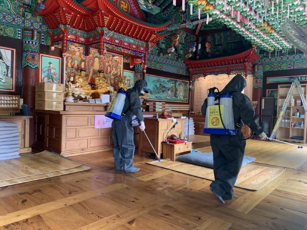 크기변환_사본 -개령면 부처님오신날 봉축 법요식 대비 선제적 집중 방역 실시-개령면(사진3).jpg