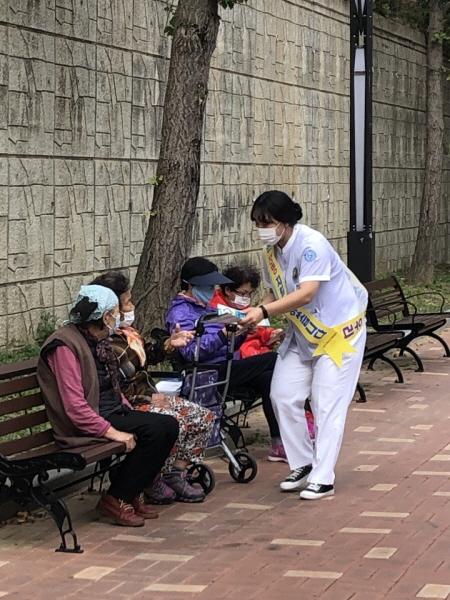 크기변환_사본 -김천시, 생명존중 홍보 캠페인 실시-건강증진과(사진1).jpg
