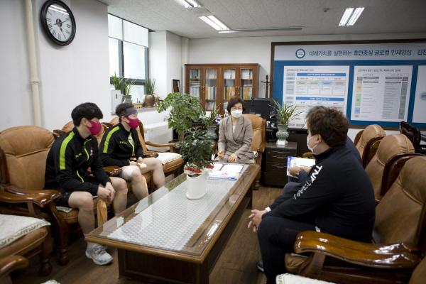 크기변환_사본 -07  김천대 스쿼시부 복식 전국대회 우승 차지.jpg